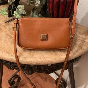 Dooney & Bourke Crossbody bag